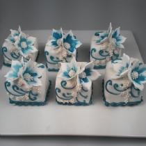 Mini Cake 16