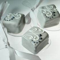 Mini Cake 32