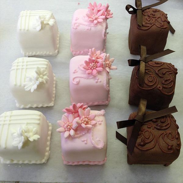Mini Cake 12