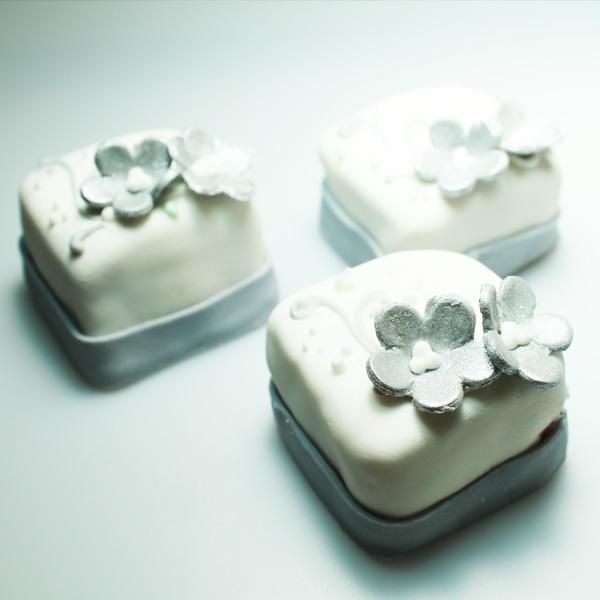 Mini Cake 28